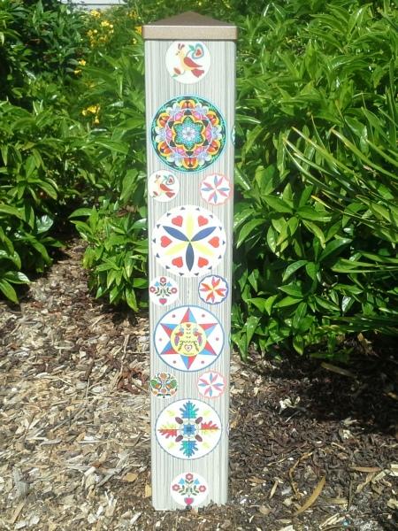 Garden Art Pole